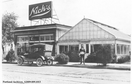 Nick's Flowers at 4040 NE Union between Shaver and Mason 1929 :  A2009-009.1013