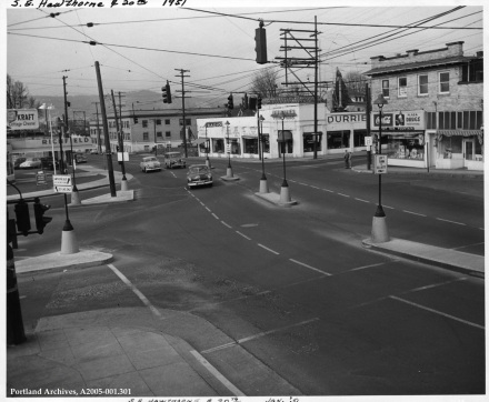 SE Hawthorne Blvd. and 20th Ave. looking west, 1951: A2005-001.301