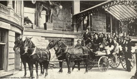 A coaching party at the Portland Hotel, 1895: A2004-002.648