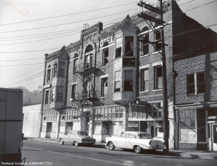 Exterior of commercial building at 2513 SW 1st Avenue, October 16, 1959: A2005-005.773.4